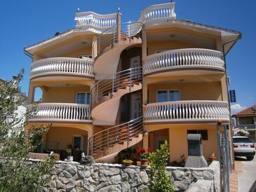 Vodice, Vodice, Объект 13973 - Апартаменты с галечным пляжем.