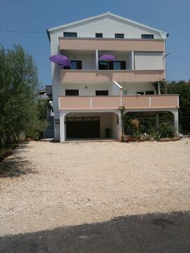 Zadar - Diklo, Zadar, Объект 13982 - Апартаменты с галечным пляжем.
