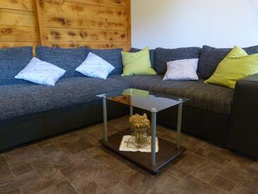 Podhumlje, Obývacia izba v ubytovacej jednotke house.