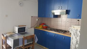 Vinjerac, Kitchen in the apartment, air condition available, (pet friendly) and WiFi.
