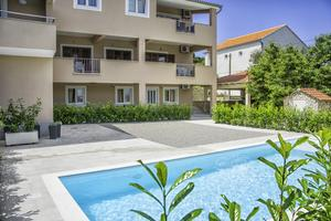 Family friendly apartments with a swimming pool Край - Kraj (Пашман - Pašman) - 14000