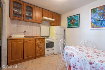 Pučišća, Kitchen 1 in the house, WiFi.
