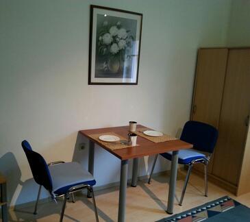 Bilje, Столовая в размещении типа room, WIFI.