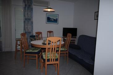 Zlarin, Гостиная в размещении типа apartment, доступный кондиционер.