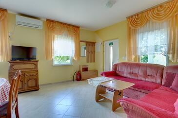Kaštel Sućurac, Obývací pokoj 1 v ubytování typu apartment, klimatizácia k dispozícii, domácí mazlíčci povoleni a WiFi.