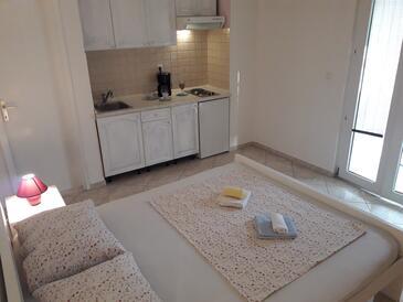 Pakoštane, Кухня в размещении типа studio-apartment, доступный кондиционер и WiFi.
