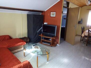 Kruševo, Obývací pokoj v ubytování typu apartment, dostupna klima, dopusteni kucni ljubimci i WIFI.