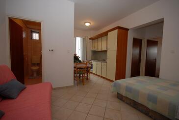 Kali, Гостиная в размещении типа apartment, доступный кондиционер и WiFi.