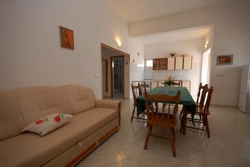 Kali, Obývací pokoj v ubytování typu apartment, s klimatizací a WiFi.