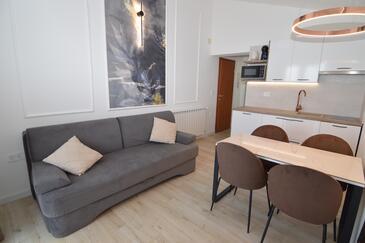 Starigrad, Obývací pokoj v ubytování typu apartment, s klimatizací a WiFi.