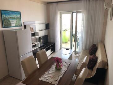 Kali, Obývací pokoj v ubytování typu apartment, s klimatizací, domácí mazlíčci povoleni a WiFi.
