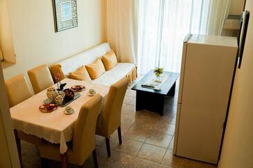 Kali, Гостиная в размещении типа apartment, доступный кондиционер, Домашние животные допускаются и WiFi.