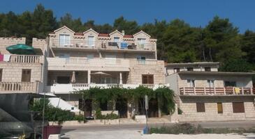 Povlja, Brač, Property 14126 - Apartments by the sea.