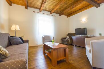 Mali Turini, Obývacia izba v ubytovacej jednotke house, dopusteni kucni ljubimci i WIFI.