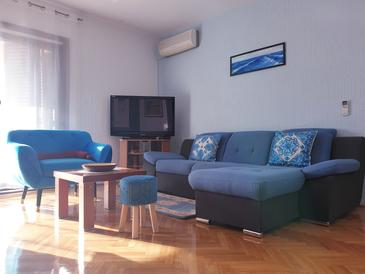 Crikvenica, Living room in the apartment, air condition available and WiFi.