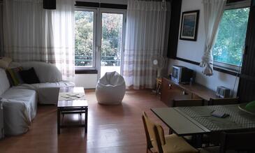 Luka Krnica, Obývací pokoj v ubytování typu apartment, dostupna klima i dopusteni kucni ljubimci.