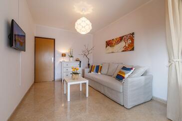 Rovinj, Obývací pokoj v ubytování typu apartment, s klimatizací a WiFi.