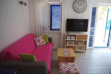Slatine, Obývacia izba v ubytovacej jednotke apartment, klimatizácia k dispozícii a WiFi.