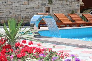 Family friendly apartments with a swimming pool Vodnjan, Fazana - 14159