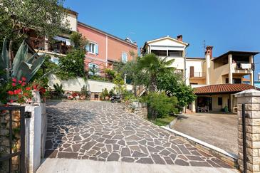 Vrsar, Poreč, Property 14164 - Apartments with pebble beach.