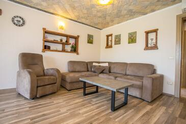 Nova Vas, Woonkamer in the apartment, air condition available en WiFi.