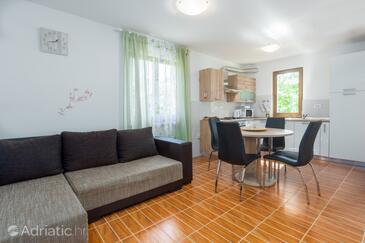 Lindar, Obývací pokoj v ubytování typu house, s klimatizací, domácí mazlíčci povoleni a WiFi.
