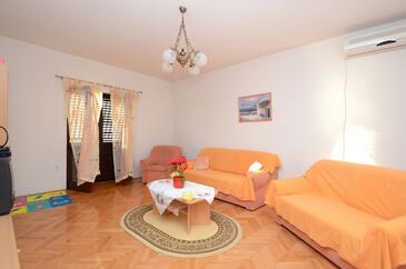 Zavalatica, Obývací pokoj v ubytování typu apartment, s klimatizací a WiFi.
