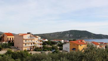 Primošten, Primošten, Objekt 14238 - Apartmani sa šljunčanom plažom.