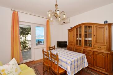 Trogir, Jídelna v ubytování typu apartment, s klimatizací, domácí mazlíčci povoleni a WiFi.