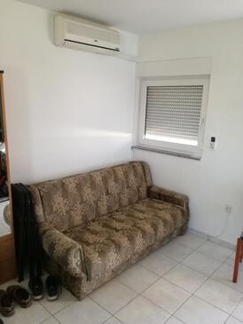 Vrsi - Mulo, Obývací pokoj v ubytování typu apartment, s klimatizací a WiFi.