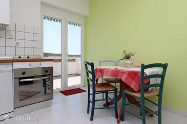 Barbat, Dining room in the apartment, air condition available, (pet friendly) and WiFi.