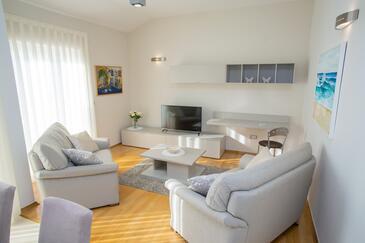Novalja, Dnevna soba v nastanitvi vrste apartment, dostopna klima in WiFi.