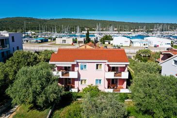 Bibinje, Zadar, Propiedad 14280 - Apartamentos near sea with pebble beach.