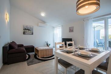 Verunić, Гостиная в размещении типа apartment, доступный кондиционер, Домашние животные допускаются и WiFi.
