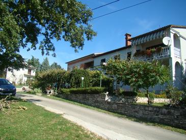 Zajci, Središnja Istra, Propiedad 14303 - Apartamentos with pebble beach.