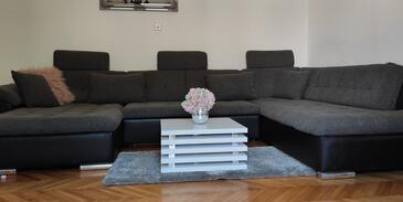 Trpanj, Living room in the apartment, air condition available and WiFi.