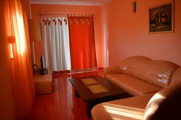 Ljubljeva, Living room in the apartment, air condition available, (pet friendly) and WiFi.