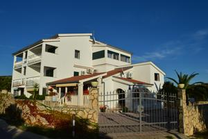 Family friendly apartments with a swimming pool Cove Ljubljeva bay - Ljubljeva (Trogir) - 14314