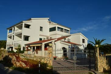Ljubljeva, Trogir, Property 14314 - Apartments with pebble beach.