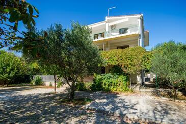 Grebaštica, Šibenik, Objekt 14317 - Ubytování v blízkosti moře s oblázkovou pláží.