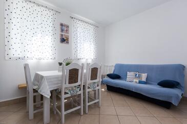 Kruševo, Jídelna v ubytování typu house, s klimatizací a WiFi.