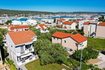 Bibinje, Zadar, Alloggio 14338 - Appartamenti affitto vicino al mare con la spiaggia ghiaiosa.