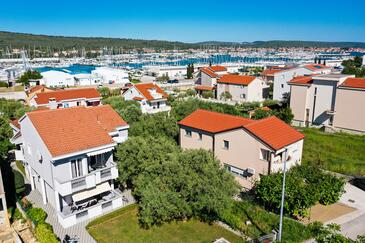 Bibinje, Zadar, Property 14338 - Apartments near sea with pebble beach.