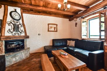 Golubinka, Living room in the house, air condition available, (pet friendly) and WiFi.