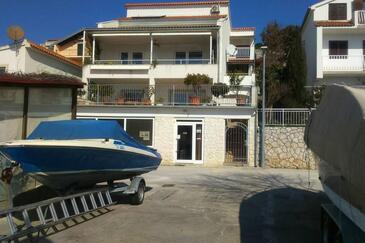 Tisno, Murter, Property 14346 - Apartments by the sea.