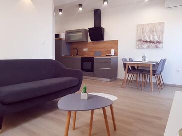Sveti Filip i Jakov, Гостиная в размещении типа apartment, доступный кондиционер, Домашние животные допускаются и WiFi.