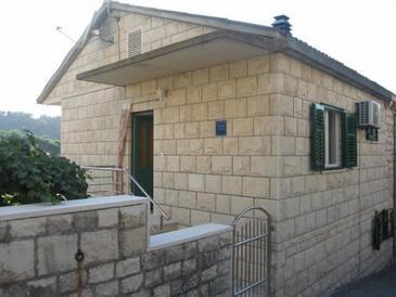 Povlja, Brač, Property 14367 - Apartments by the sea.