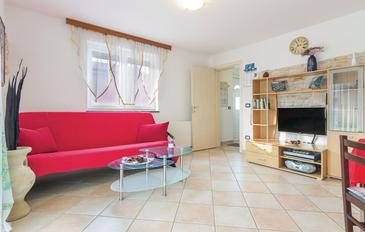 Fratrici, Living room in the apartment, air condition available and WiFi.
