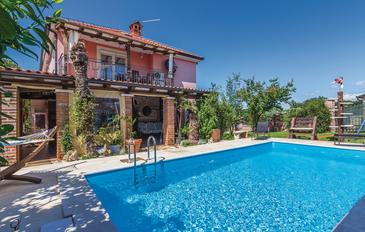 Fratrici, Umag, Property 14384 - Apartments with pebble beach.