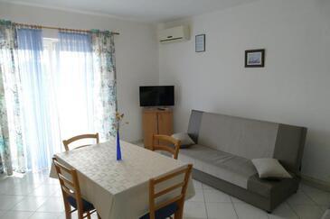 Barbat, Jídelna v ubytování typu apartment, s klimatizací, domácí mazlíčci povoleni a WiFi.